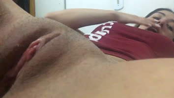Amateur sends video by whatsapp masturbating