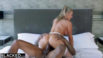 Interracial sex after a HD porn massage