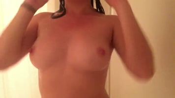 Masturbation included in the shower xxx