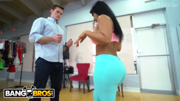 Vídeo porno of rose monroe sucking and riding
