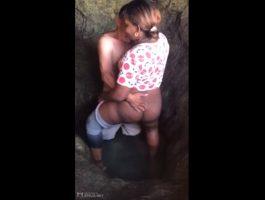 Negra dominicana rapando en su oyo 1