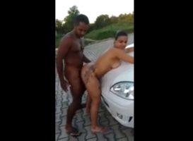 Follando al aire libre con dos brasileñas