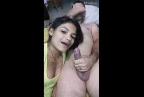 La brasileña ester la tigresa chupando su verga