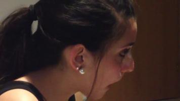 La novia cumple cumplidora recibe fuerte facial
