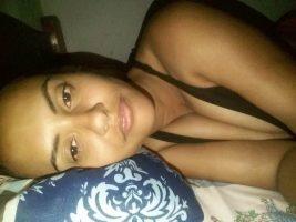 Evelyn dominicana enviando fotos por whatsapp