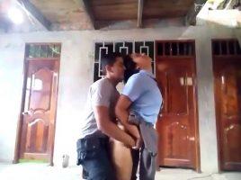 Policía follando con una estudiante mexicana