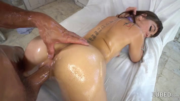 Riley reid with her body full of oil is fucked in four