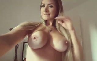 Rubia tetona quieres sexo con un negro