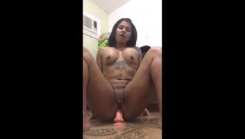 Vídeo de telegram culona metiéndose por culo una brocha