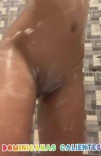Dominicanas Calientes, Flaquita Dominicana masturbandose en la ducha