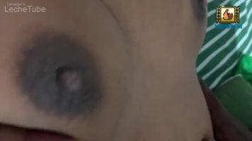 Chica adolescente Sri lankan follada por un viejo