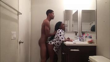 Porno Xxx Bathroom, Penetracion fuerte en el baño